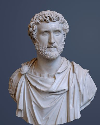 Antoninus Pius Glyptothek Munich 337 cropped
